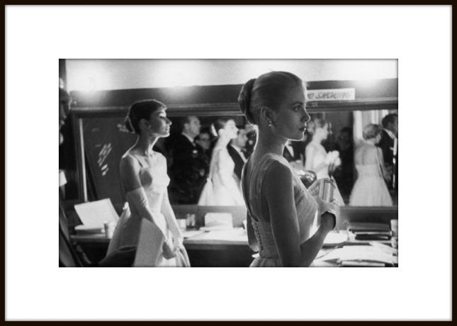 Audrey Hepburn & Grace Kelly.Image courtesy of uk.lifestyle.yahoo.com